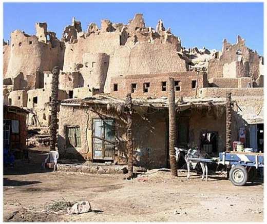 خرابههای شهر شالی که در آنجا آنها از مواد ساختمانی Kershef